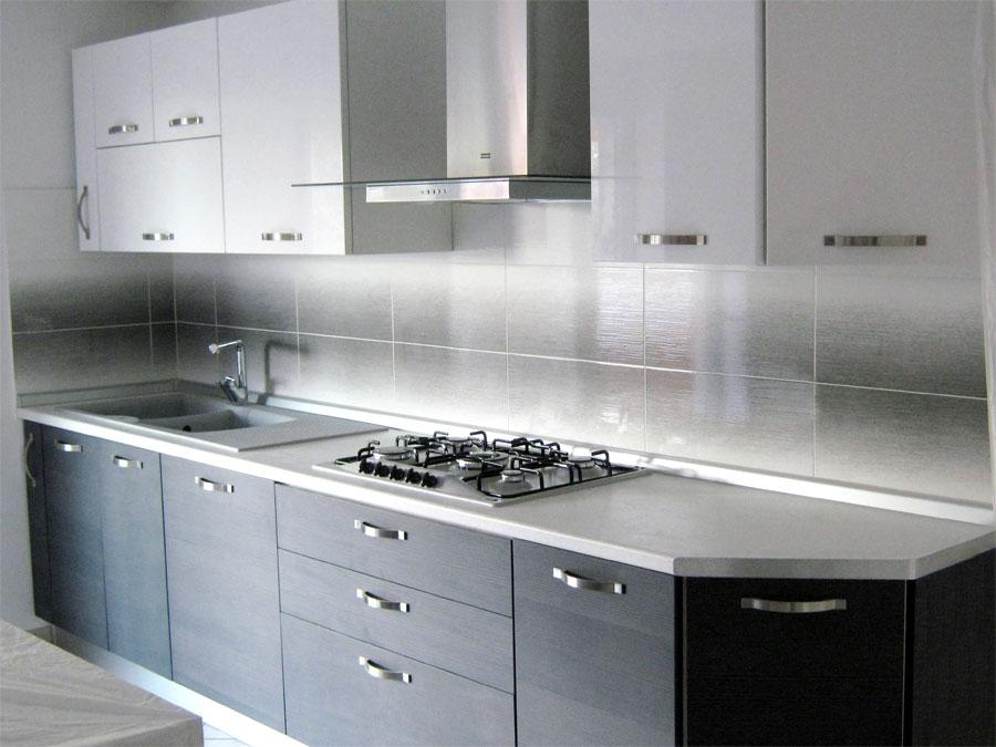 Meble kuchenne kuchnie meble do kuchni woj l skie polskie meble biurowe szafy metalowe - Rivestimenti cucina moderna pannelli ...